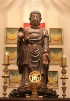 Eugene main altar image: Buddha 'Fulfilling the Vow'