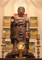 Eugene main altar image: Buddha 'Fulfilling the Vow'